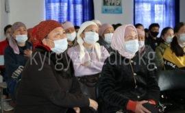 Баткен облусунун Андарак айылында медиа маалыматтык сабаттуулук семинары өтуп жаткан учуру (апрель айы)